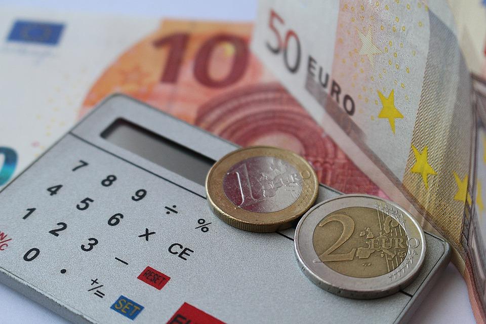 Rachat et renégociation de crédits : quelle différence ?
